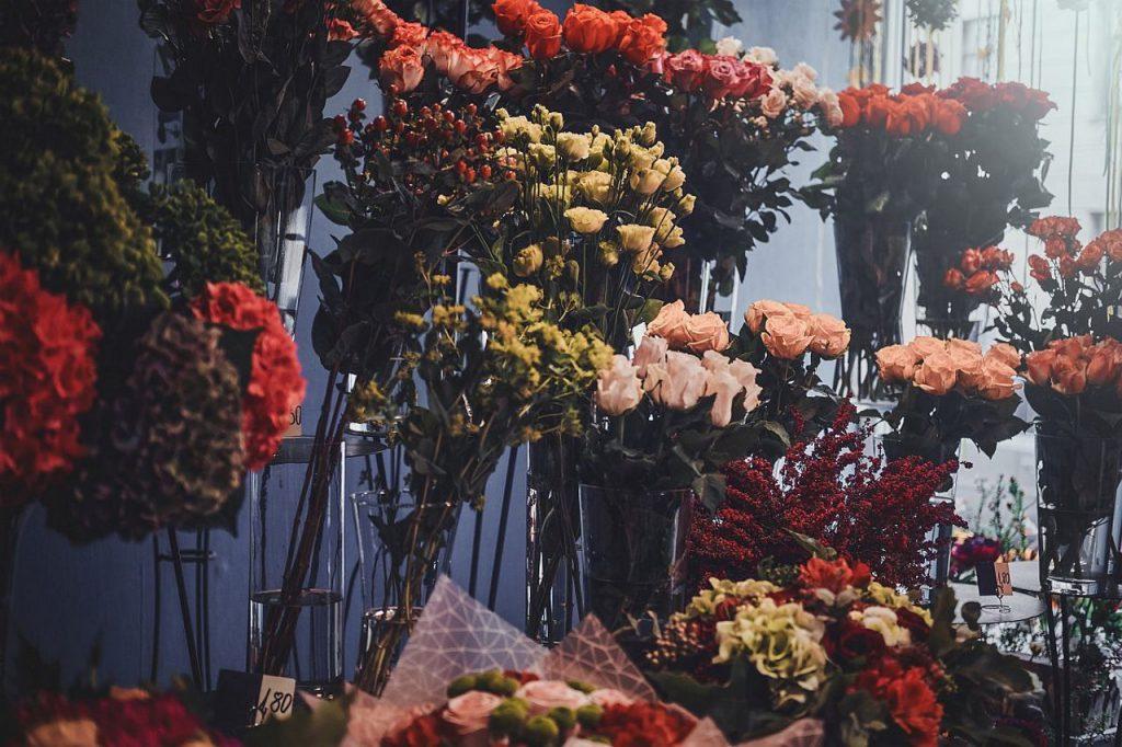 Jak ma wyglądać dostawa kwiatowa?